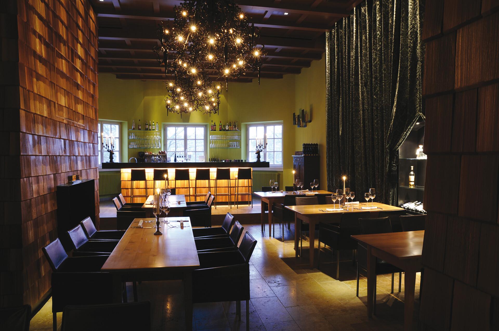 restaurant hegel 1 wild in edlem ambiente minister von hammerstein markenkommunikation. Black Bedroom Furniture Sets. Home Design Ideas